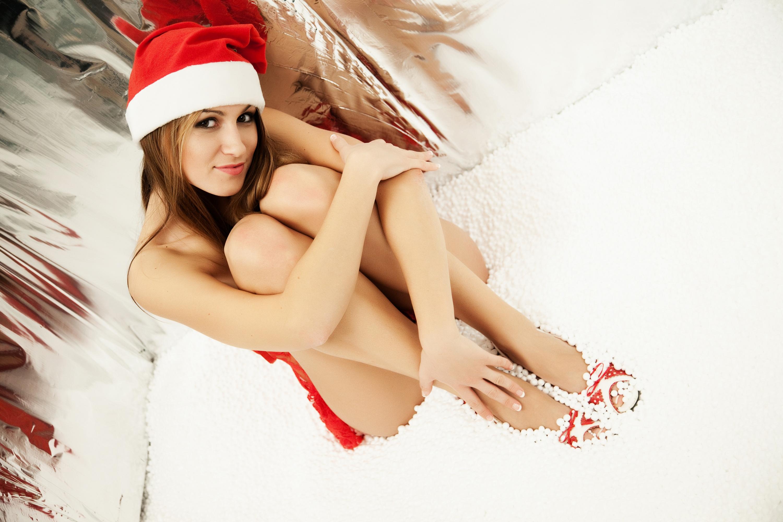 http://pozdravit-vsex.ru/uploads/posts/2012-11/1352104981_315700_sexy-girl_model_simpatichnaya_devushka_prazdnik_3000x2000_www.gdefon.ru.jpg